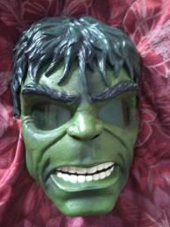 Máscara do Hulk.