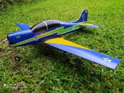 Aeromodelo tucano da esquadria