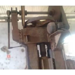 Prensa de fricção Gutmann 450 toneladas - VN23 Usado