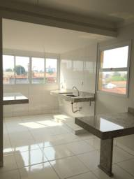 Apartamento 2/4 com suíte no Santa Mônica