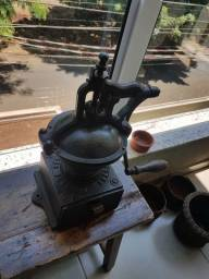 Moedor de café Pegeout,  RELÍQUIA