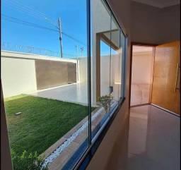 Título do anúncio: (AM)casa com ótimo espaço a venda...