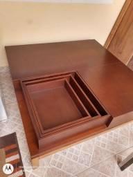 Mesa de centro em madeira nobre
