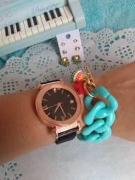 Kit relógio + pulseira + brinco