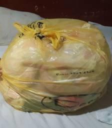 Roupinhas de menina rescenacido e ninho com mosquiteiro