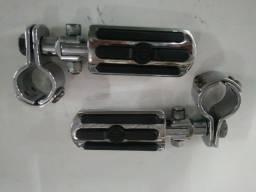 Acessório Harley Davidson ? Pedaleiras para protetor do motor.