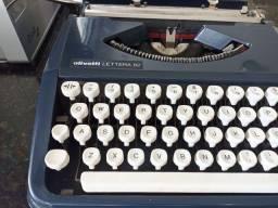 Título do anúncio: Máquina de escrever oliveti antiguidades