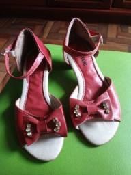 Sandália Infantil Vermelha ? Tamanho 34