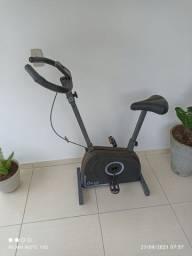 Título do anúncio: Bicicleta ergométrica para exercícios