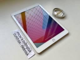 Título do anúncio: iPad 5 (5ª Geração) 32gb Wifi Prateado. Usado. Troco