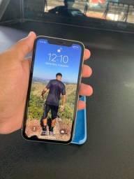 Vende-se iPhone 11 64GB (Seminovo)