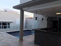 Linda casa de alto padrão no Bela Vista com piscina aquecida!