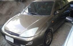 Título do anúncio: vendo ou troco Ford Focus Guia 2001