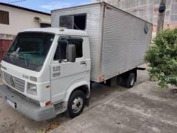 Caminhão 8-120 work