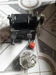 Máquina de tirar cópia de chave com várias chaves