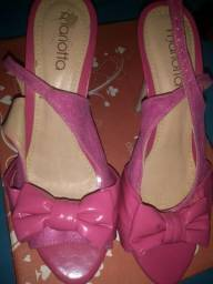 Linda sandália de salto