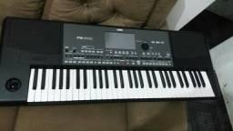 Vendo teclado korg pa600. muito novo.