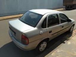 Corsa sedan 1.0 original a alcool com ar condicionado - 2004