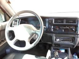 Caminhonete L200 Outdoor Mitsubishi - 2005