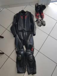 Macacão botas luvas Dainese