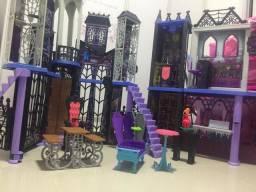 Castelo Monster Hight