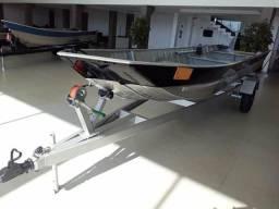 Barco carreta e motor 15. 2018 - 2018