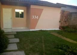 Alugo casa com 3 quartos