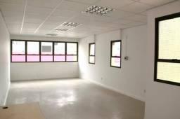Procuro sala comercial mínimo 50m quadrados