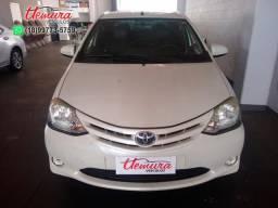 Toyota/ Etios 1.5 SD XS - 2015/2015 - Branco - Flex - 2015