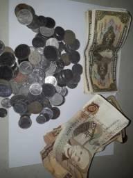 Moedas e cédulas brasileiras antigas