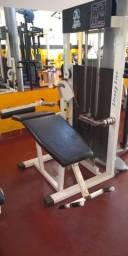 Maquinas de musculação usadas e um climatizador Clima Brisa