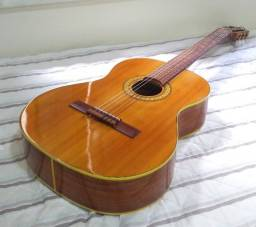 Violão em excelente estado - Feito a mão - todo já ajustado por Luthier