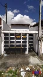 Casa com 2 dormitórios para alugar por R$ 600,00 - Bom Futuro - Fortaleza/CE