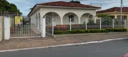 Casa na região central de várzea grande