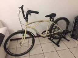 Bicicleta retro com estacionário