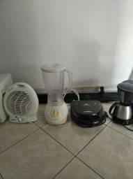 Aquecedor, liquidificador, sanduicheira e cafeteira