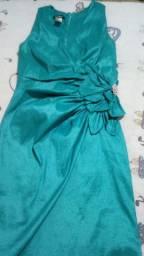 Vendo peças boas e novas vestido pra festa e bluzinha branca