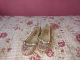 Sandália rosa infantil