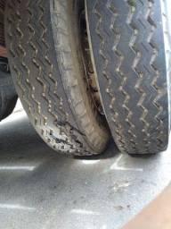 Vendo 2 pneus com rodas 900