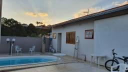 Maravilhosa casa no Pinheirinho com piscina!!