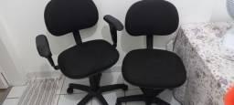 Cadeiras semi novas R$  50.00 as duas