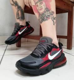 Título do anúncio: Vendo Tênis Nike React ( 120 com entrega)