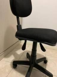 Cadeira de Escritorio com Regulagem de altura