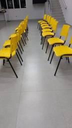 Cadeiras Fixas Polipropileno Colorido Igreja Empresas Escola Cursos Apart. Home Office