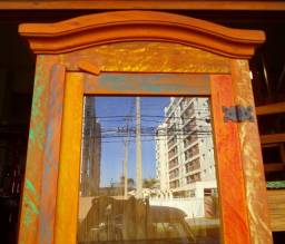 cristaleira em madeira de demolição 1 porta ótimo acabamento.