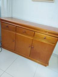 Vendo armário de madeira maciça imbuia clássico