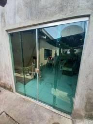 Título do anúncio: Deixamos sua Casa, Lojas, Igrejas linda em Vidros Blindex!! Imperdível