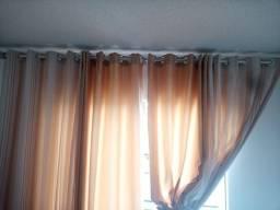 Título do anúncio: #Vendo linda cortina em bom estado. Top
