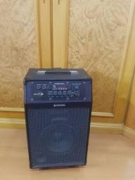 Caixa amplificadora com microfone
