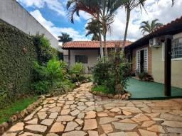 Samuel Pereira oferece: Casa 3 Quartos com 2 Suítes em condomínio fechado.